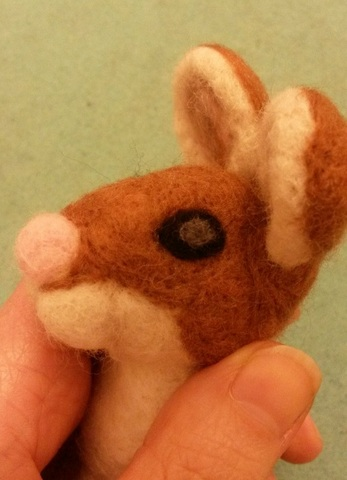 How to needle felt animal eyes (5/6)