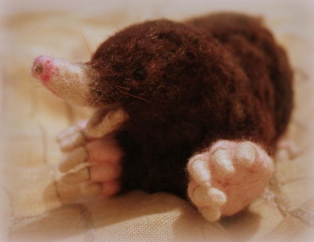 Needle felted Mole (4/6)