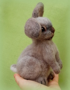 Needle felted rabbit (2)