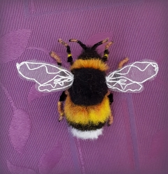 needle felted bumble bee (37)