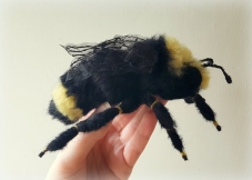 felted-yellow-faced-bumble-bee-3